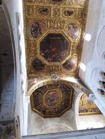 Soffitto ligneo barocco molto ricco e decorato