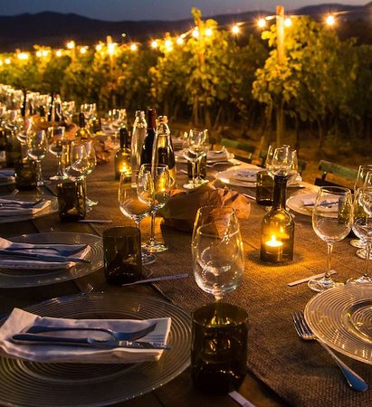 Langhorne Creek Wine Region, Австралия: Vineyard Dinner and camping for March 2020