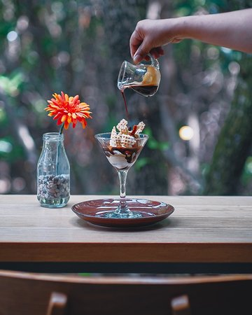 Have you try Recolta Coffee? It's Coffee + Gelato and it's sweet and creamy with a touch of coffee, makes a perfect combination for a palate cleanser 😊✨☕ . . . . . #RECOLTABALI #recoltacafe #recoltaexperience #balieats #coffeetime #balilife   Bali Cafe