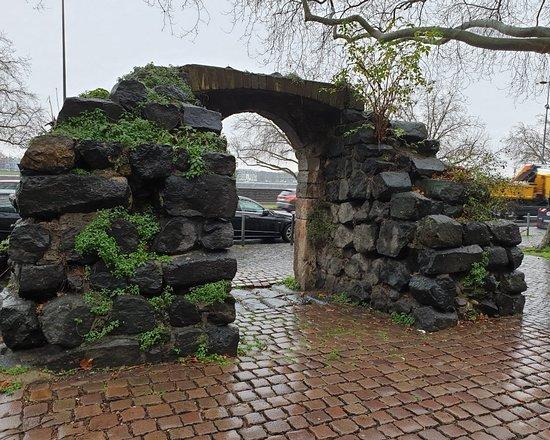 Puerta Ciudad Romana