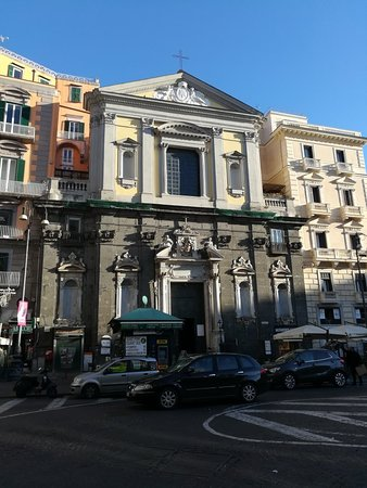 Chiesa di San Ferdinando, Piazza Trieste e Trento, Неаполь, январь.