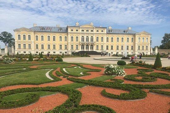 Vilnius para Riga através da Colina...