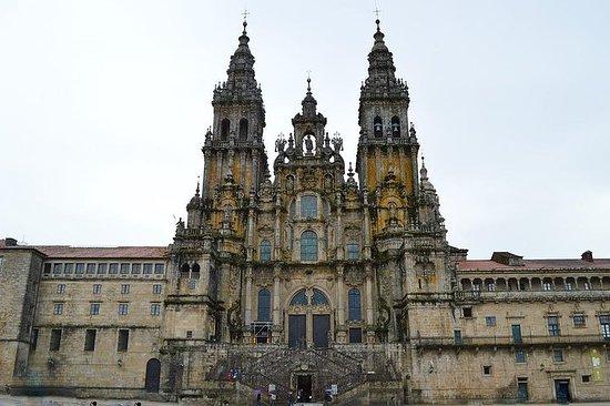 ポルトからサンティアゴ・デ・コンポステーラとヴィアナ・ド・カステロ