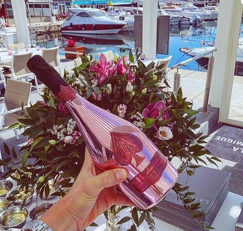 Champagne Armand De Brignac Rosé disponible sur notre carte  des vins