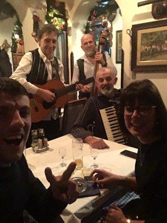 Une petite Dunja avec les musiciens super cool