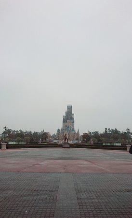 夢と魔法の王国です
