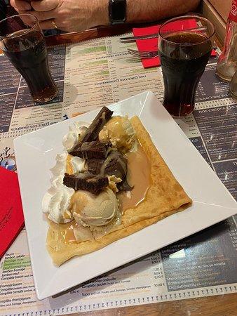 Brownie & Ice Cream. Delicious!!