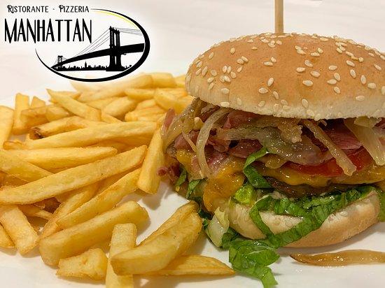 Mirto, Italie: 🍔 WALL STREET 🍟 Salsa rosa, lattuga, hamburger, formaggio fuso, pomodoro, bacon, cipolla.