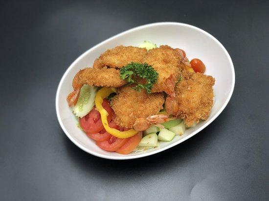 Deep fried shrimp salad   สลัดกุ้งกรอบ