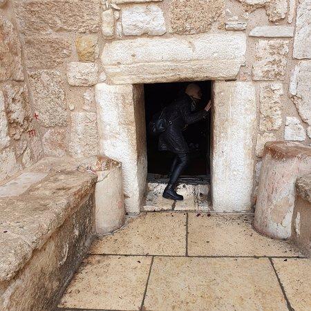 ingresso alla basilica della Natività
