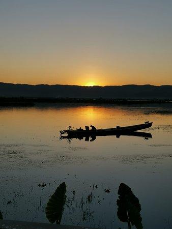 sunset in inle lake