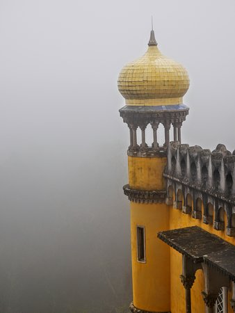 Sintra and Cascais Small-Group Full-Day Tour from Lisbon: Quite surreal in the fog!