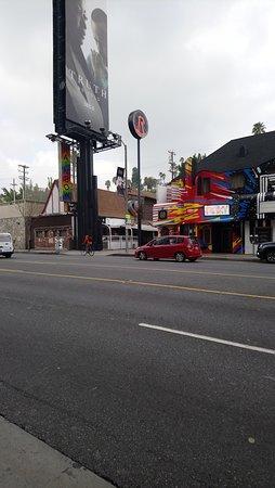 Vue depuis Sunset Boulevard, en face