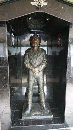 La statue de Lemmy