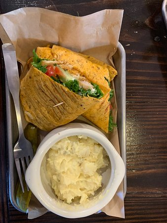 Cynthiana, KY: Burley Market & Cafe has great sandwich options, nice beverages. Their cinnamon rolls are huge and about the best I've ever had.
