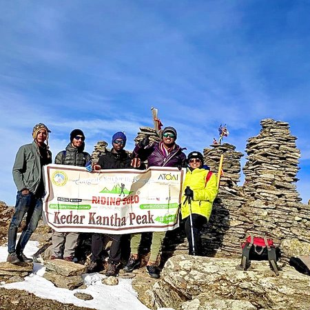 Kedarkantha Summit .. Congratulations to the team..