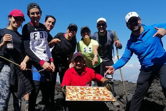 Pizza en el Volcán Pacaya Tour
