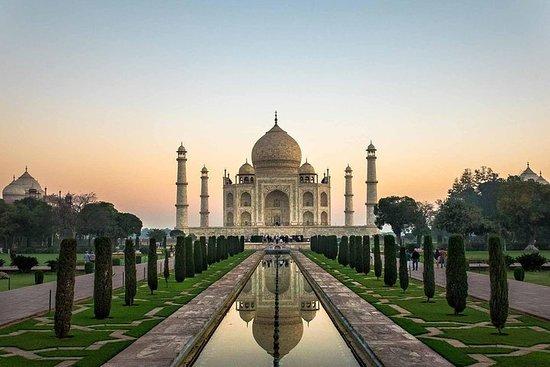 Excursion d'une journée au Taj Mahal et...