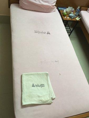Bed sheet colour