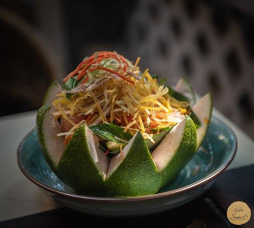 Vegetarian Pomelo Salad  #Sadec6 #68ĐặngVũHỷ ---------------- Sadec 6 - Cuisines from the heart of Mekong - Nhà hàng ẩm thực di sản vùng Mekong 68 Đặng Vũ Hỷ, Sơn Trà, Đà Nẵng (https://g.page/Sadec6?) https://m.me/Sadec6 Hotline: 094 149 68 66 https://sadec6restaurant.com Instagram: sadec6danang #MonNgonDaNang #Sadec6 #MekongFood #VietnameseFood #Danang