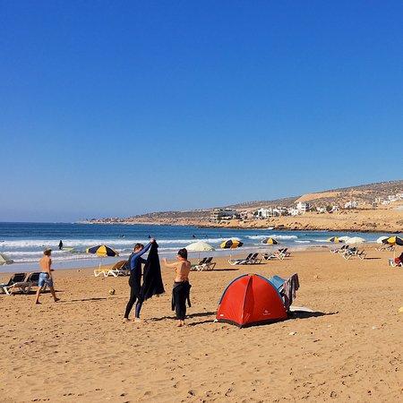 Taghazout, Maroko: Пляж Panorama в Тагазуте – вполне Рай)
