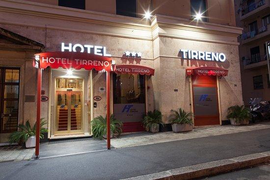 Hotel Tirreno, Hotels in Genua