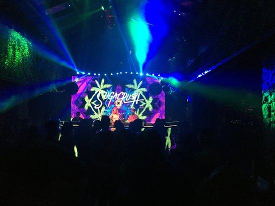 Shishi Asian Bistro & Nightclub