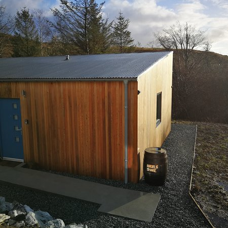 Teangue, UK: Angels' Share self catering in the January sun sparkling on the beautiful Isle of Skye