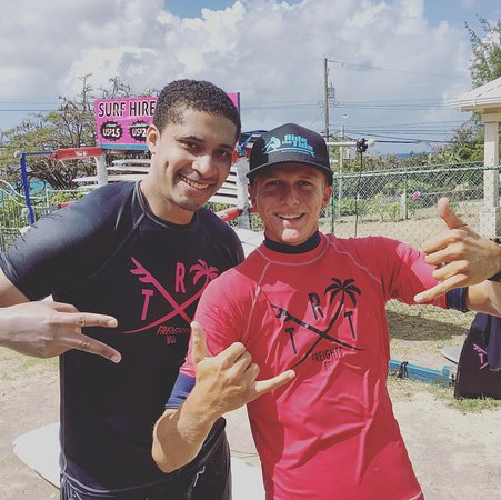 Our in house WSL surf coach still making time for surfing lessons and 121 sessions with our surfer at Ride The Tide Surf School.