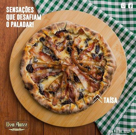 Taísa: borda de goiabada, bacon, ameixa, queijo e molho de tomate. Conheça, prove e surpreenda-se! 🍕