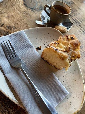 Espresso Apple Ring Cake