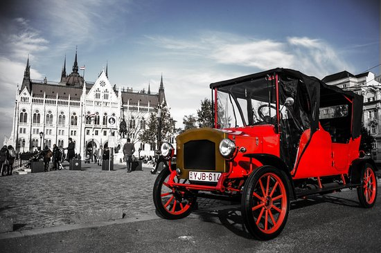 Royal Cars Budapest - Sightseeing Tours by Oldtimer Car.
