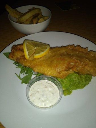 Glengormley, UK: Fish n chips and nachos