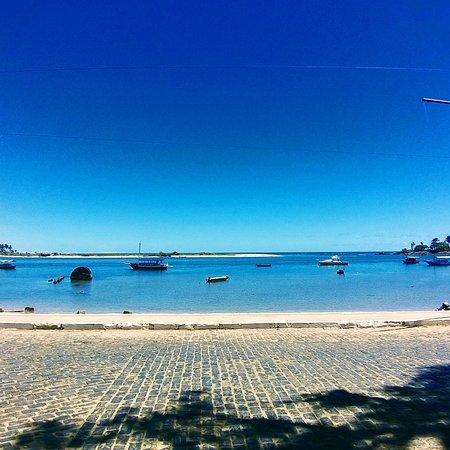 Itacare, BA: Itacaré é um município do estado da Bahia, no Brasil. Sua população estimada em 2016 era de 28 013 habitantes. É  muito famoso pela beleza natural de suas praias, que atraem turistas de todo o mundo e muitos surfistas.