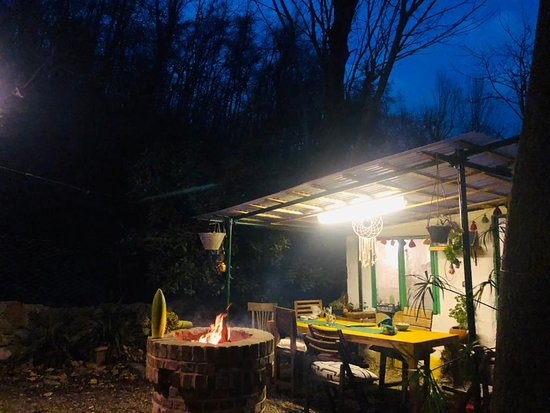 Tonekabon, איראן: 6000 meter above sea level and 20 km away from Tonekabon city, Jana eco-lodge is located in Do Hezar forest area.
