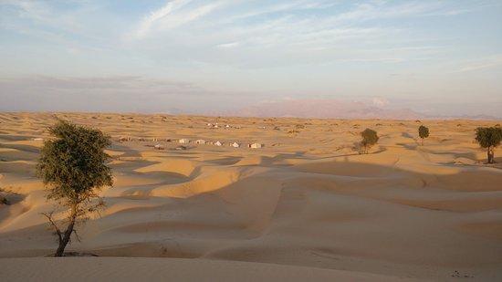 Jalan Bani Buali, Oman: Panoramica dell'accampamento