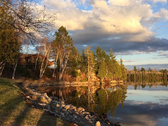 Lakefront Point Vacation Home Cabin