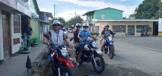 Preparados nuestros Amigos Ticos para un Tour Rural por Ometepe con Franchuli!🙂
