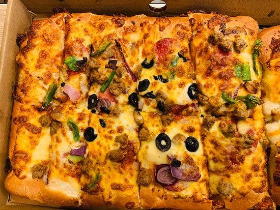 Super Supreme Spicy Beef Picture Of Pizza Hut Dubai Tripadvisor