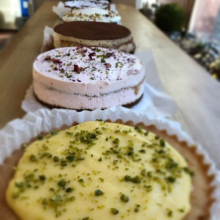 Mini cakes in different flavours
