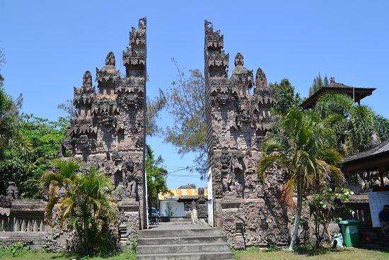 Sangsit, Indonesia: Porte