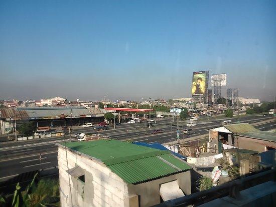 Barangay Buena Suerte, Philippines: Endless urban jungle of Manila