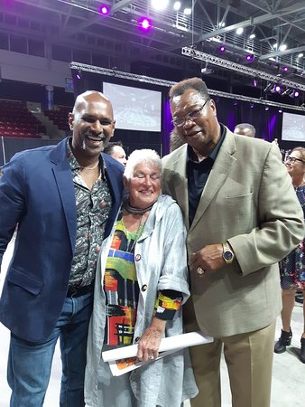 Cardigan, Канада: My good friend and Larry Holmes