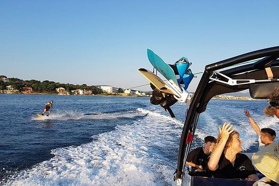 Valokuva: Private Wakeboarding or Water Skiing in the Bay of St Tropez