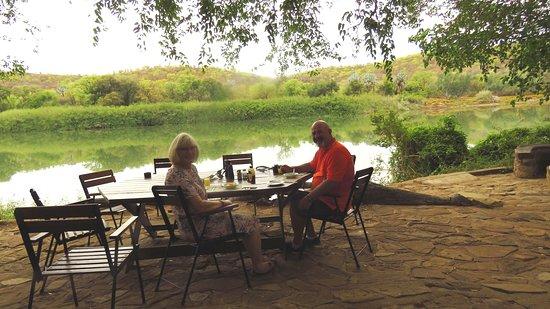 Ruacana, Намибия: What a wonderful setting for breakfast