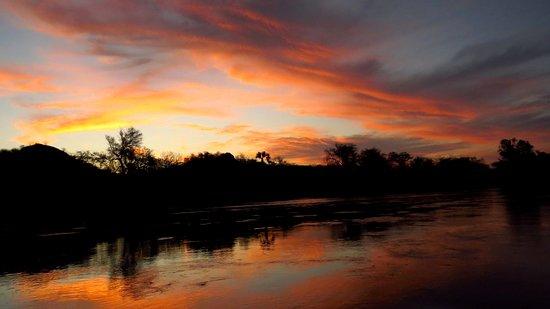 Ruacana, Намибия: Sunset over the Kunene River