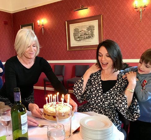 Hovingham, UK: Birthday lunch at the Worsley Arms
