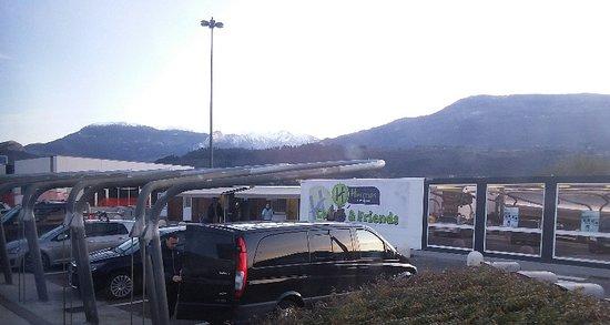 Esterno area Nogaredo Est Hermes autogrill