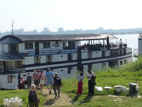 Sightseeing Cruise Between Mandalay and Bagan: Notre bateau
