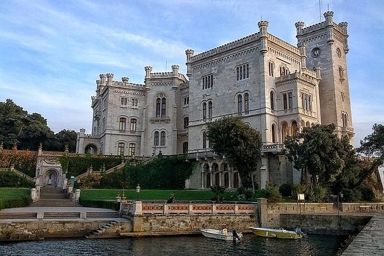 Panoramatour durch Triest und Schloss...